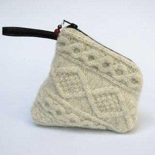 Karen Meyers Sweater bag2